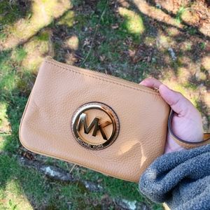Michael Kors Fulton Leather Wristlet